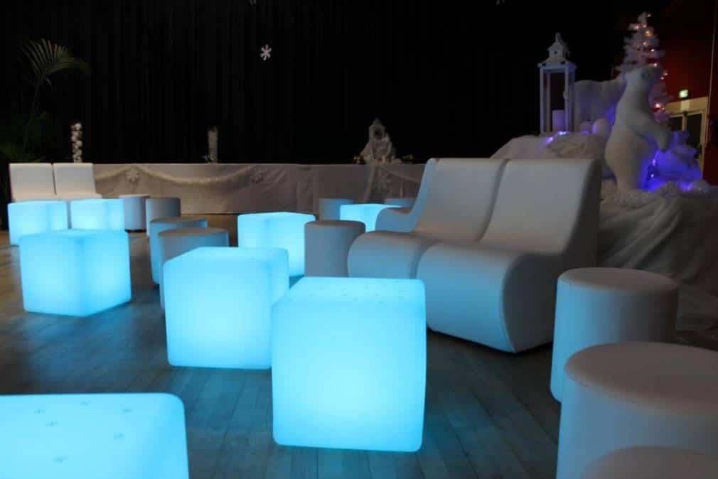 location mobilier lumineux marseille aix en provence bouches du rhone 13. Black Bedroom Furniture Sets. Home Design Ideas